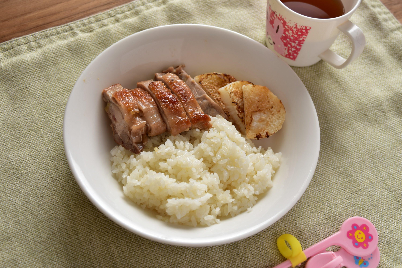 新得地鶏のカリカリ焼きとお肉ご飯